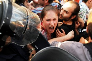 People-rioting
