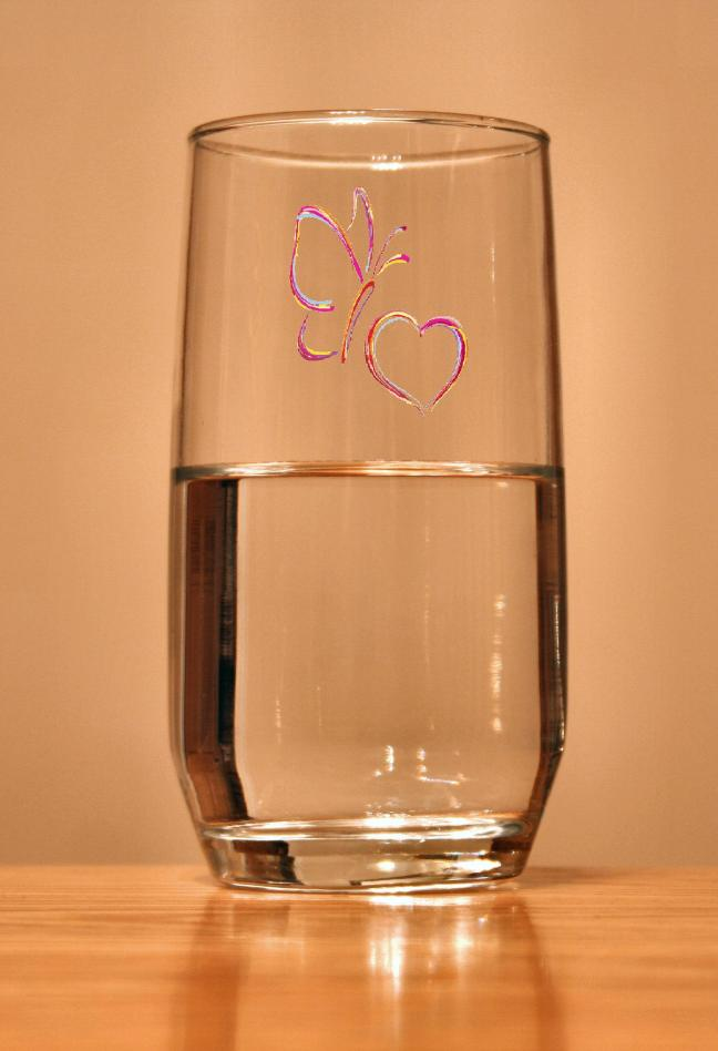 Glass-of-water_batterfly_love