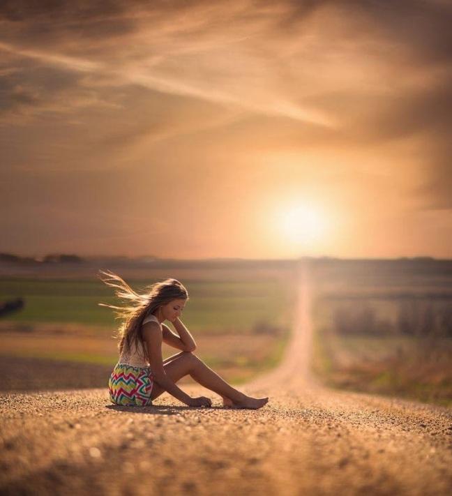 Risultati immagini per L'amore non muore mai di morte naturale. Muore perché noi non sappiamo come rifornire la sua sorgente. Muore di cecità e di errori e tradimenti.